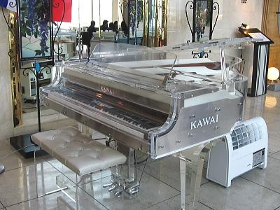 KAWAI クリスタル・ピアノ